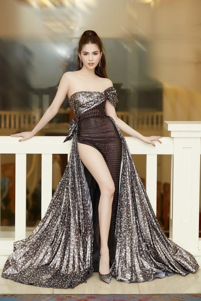 Phong cách sao Việt: Ngọc Trinh khoe đôi chân cực phẩm, Đỗ Mỹ Linh mắc lỗi đồ nhỏ - Hình 1