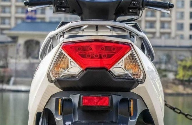 Xe ga Suzuki Swing-R ra mắt, so găng với Honda Air Blade - Hình 6