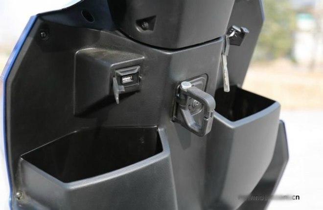 Xe ga Suzuki Swing-R ra mắt, so găng với Honda Air Blade - Hình 7