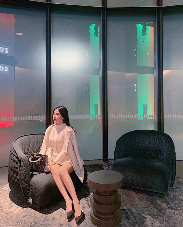 Nhan sắc đỉnh cao của 10x Quảng Bình: diện hàng hiệu, xinh đẹp thần thái hơn người - Hình 7