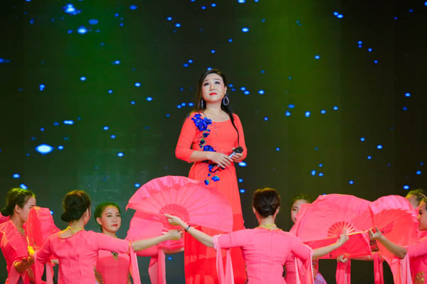 NSƯT Kim Tử Long ghen tỵ với body 6 múi của soái ca làng xiếc - Hình 3