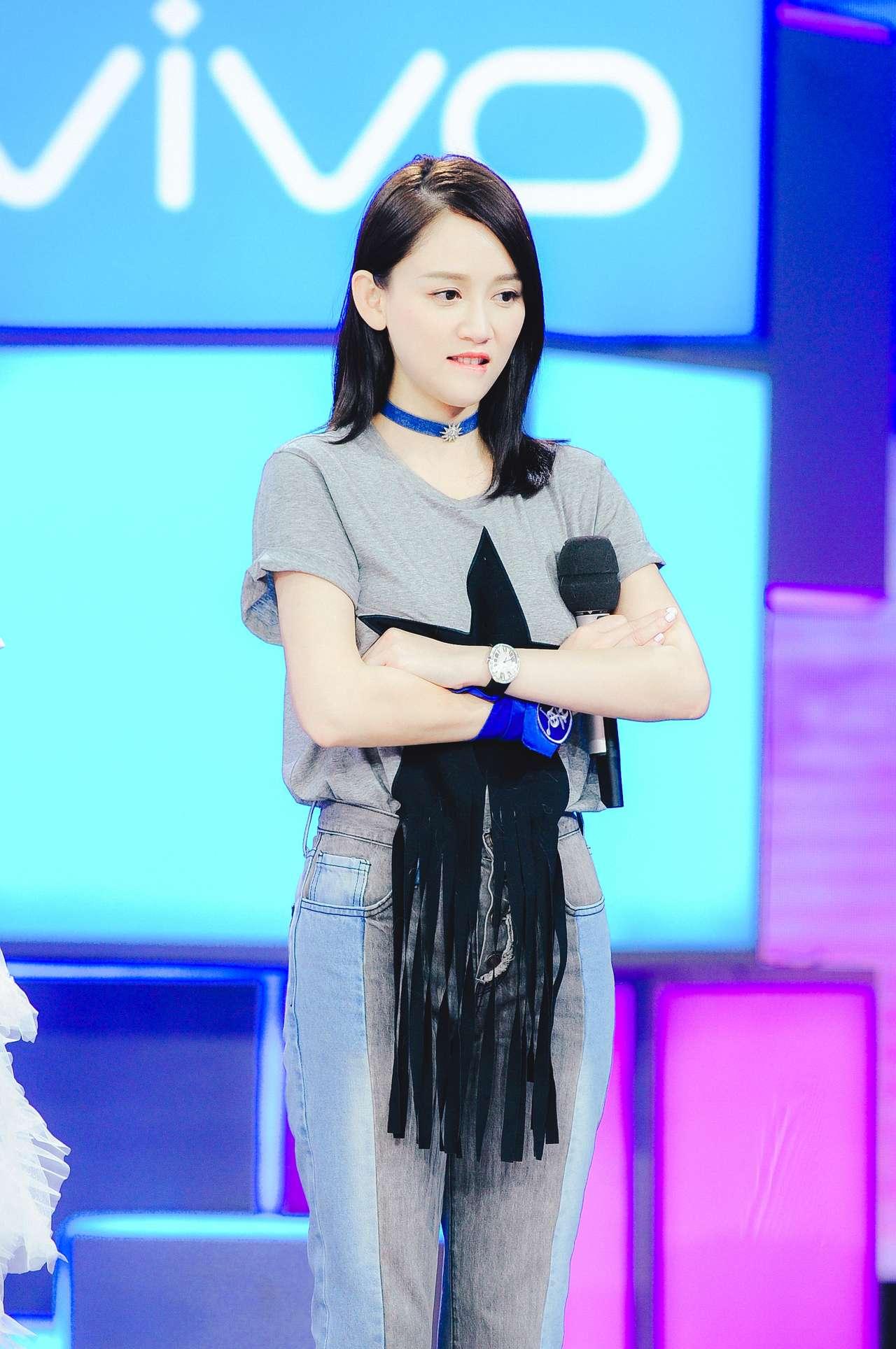 Trần Kiều Ân - bóng hồng Đài Loan sở hữu phong cách thời trang không tuổi - Hình 12