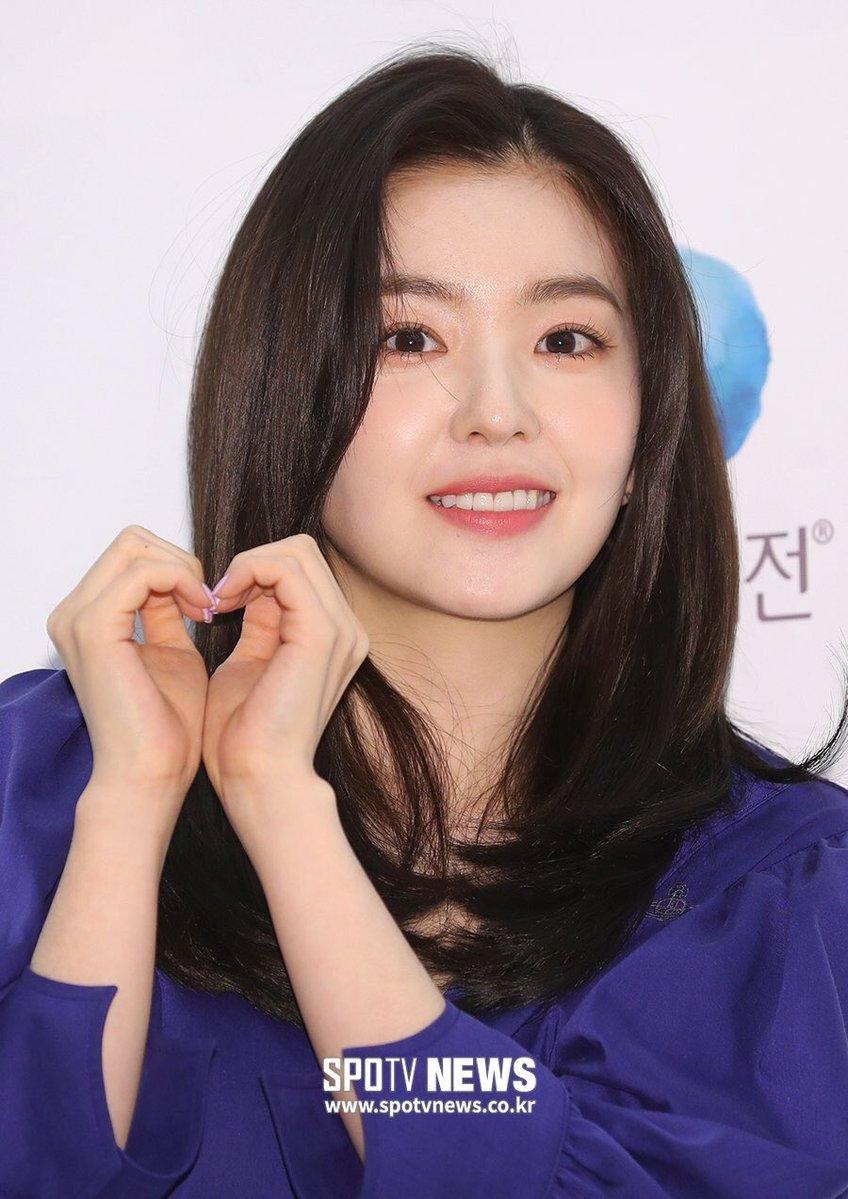 2 cô Bae đọ sắc: Irene cắt tóc trông bớt giống nữ thần, Suzy 'cố ý' không tô son để khoe... môi mộc - Hình 1