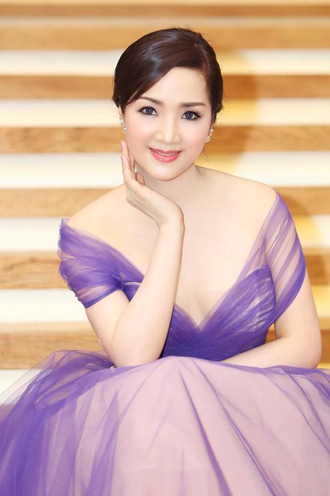 5 nữ hoàng ảnh lịch Việt giờ đây U50, U60 vẫn trẻ đẹp, gợi cảm đáng kinh ngạc - Hình 3