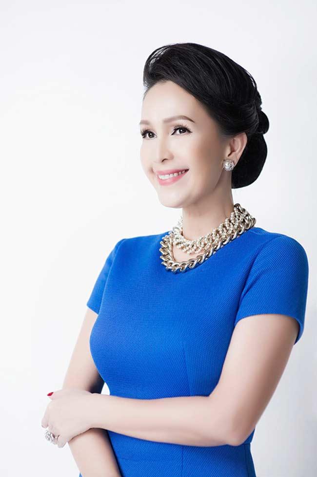 5 nữ hoàng ảnh lịch Việt giờ đây U50, U60 vẫn trẻ đẹp, gợi cảm đáng kinh ngạc - Hình 9