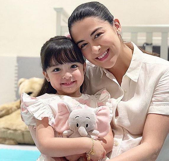 Cận ngày sinh con, mỹ nhân đẹp nhất Philippines vẫn xinh đẹp rạng rỡ - Hình 7