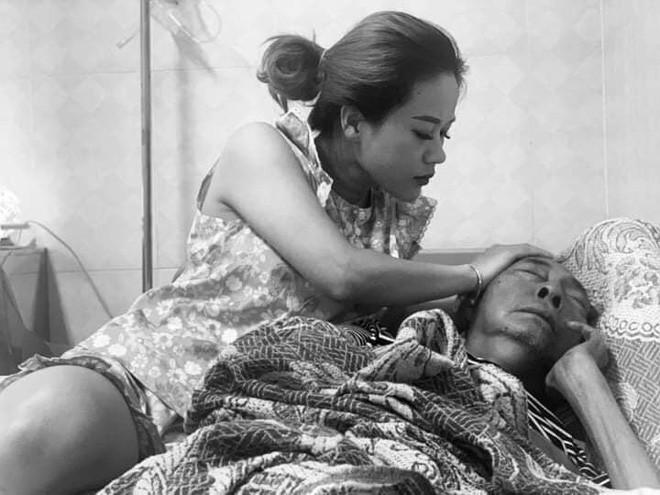 Nghệ sĩ Lê Bình những ngày cuối cùng trên giường bệnh: Hoại tử thân dưới, đau đớn cười trong nước mắt - Hình 1