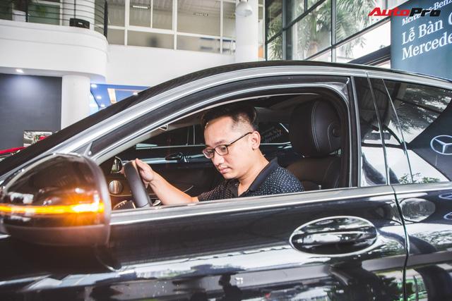 Gặp 'Chủ tịch' Đức SVM mua Mercedes gần 2 tỷ và cái kết đừng đánh giá người khác qua vẻ ngoài - Hình 4
