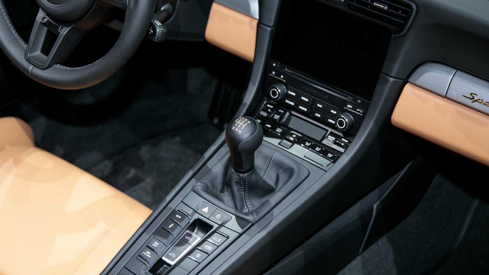 Porsche 911 Speedster 2020 được chốt giá, đắt hơn cả Lamborghini Urus và Huracan - Hình 7