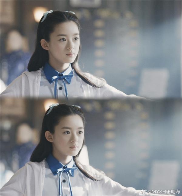 Con cưng của Dương Mịch: 12 tuổi đã có gia tài phim đáng ngưỡng mộ, diễn xuất khiến các đàn chị phải xấu hổ - Hình 7