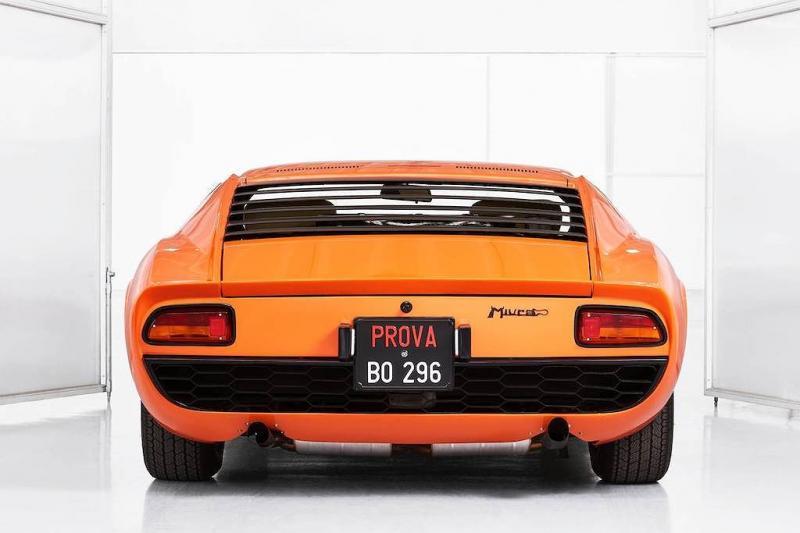 Lamborghini Miura xuất hiện trong bộ phim The Italian Job được phục chế lại như mới - Hình 9
