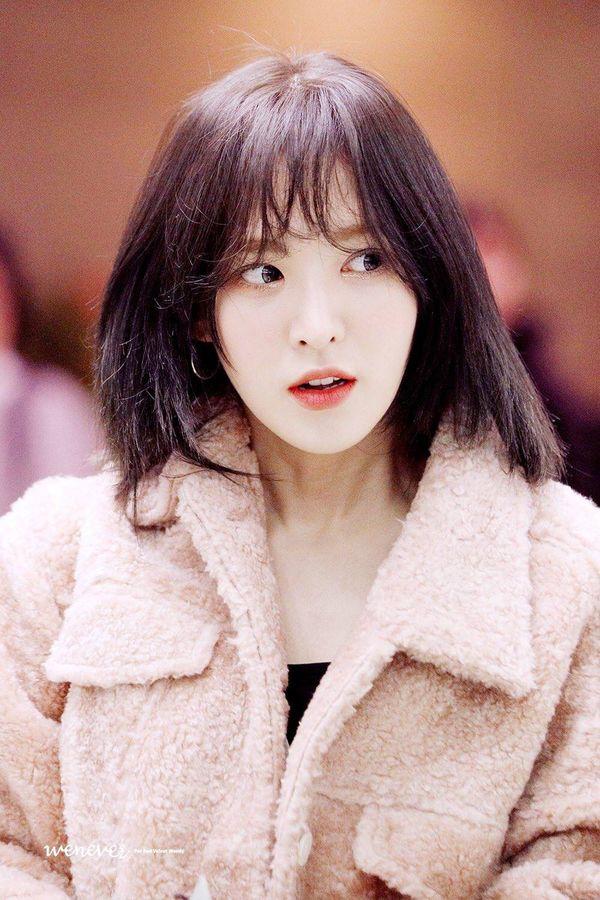 Góc kinh ngạc: 5 nữ idol từng bị chê xấu nhất trong lịch sử, giờ một bước lên hàng nữ thần Kpop - Hình 14
