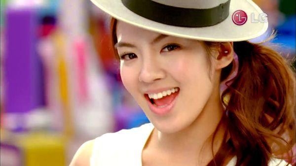 Góc kinh ngạc: 5 nữ idol từng bị chê xấu nhất trong lịch sử, giờ một bước lên hàng nữ thần Kpop - Hình 1