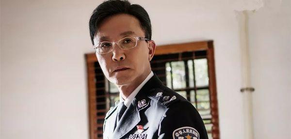 Hành động phá băng của Hoàng Cảnh Du đạt 8,6 điểm trên Douban, xem một lúc 8 tập mới cảm thấy đã - Hình 9