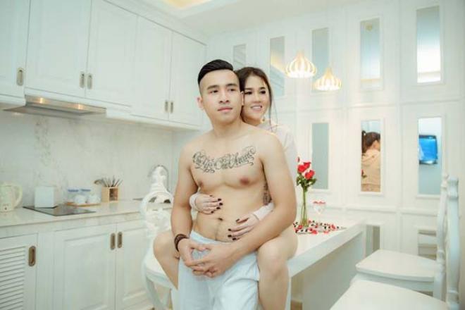 Chị gái Ngọc Trinh đã mang bầu lần 3 sau 6 tháng kết hôn với ca sĩ trẻ kém tuổi - Hình 2