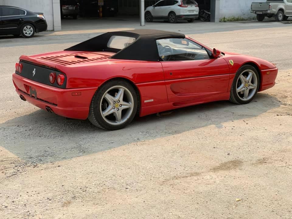 Ferrari F355 Spider lần đầu vào Nam sau khi được một người sưu tập xe điểm mặt - Hình 1