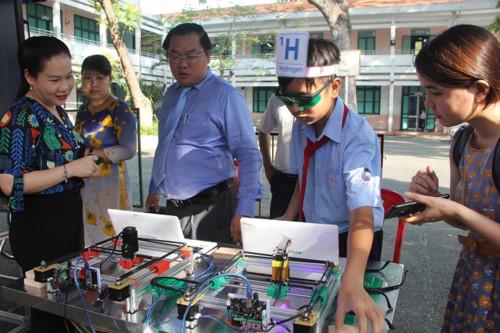 Học sinh hào hứng tiết học với công nghệ 4.0 - Hình 6