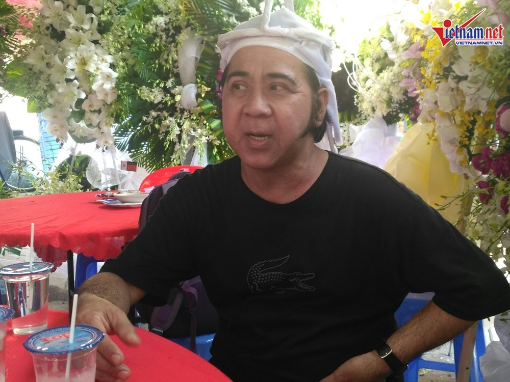 Nghệ sĩ Bạch Long: Mẹ mất, Thành Lộc vẫn tỉnh bơ diễn - Hình 1