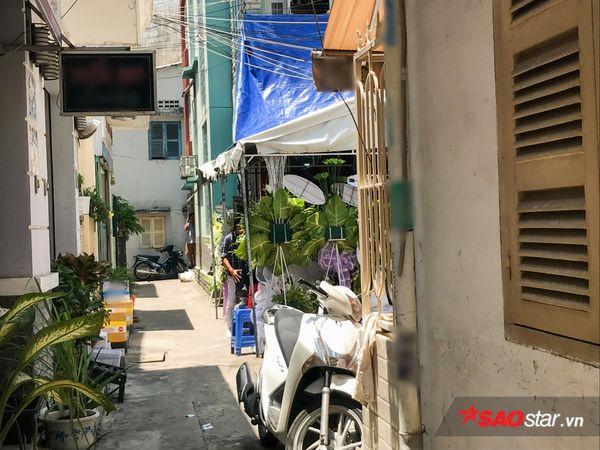 NSƯT Thành Lộc nén nỗi đau chu toàn tang lễ mẹ, đón NSND Kim Cương cùng Đàm Vĩnh Hưng đến viếng - Hình 1