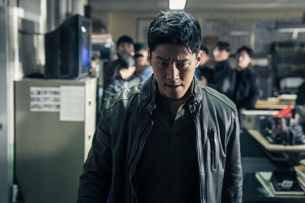 Ông hoàng phòng vé Ma Dong Seok trở lại với vai đầu gấu trong phim mới Trùm, cớm và ác quỷ - Hình 3