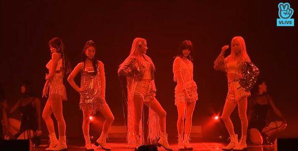 Showcase cuối cùng của EXID dưới trướng Banana Culture: Các thành viên bật khóc khi thể hiện ca khúc tạm biệt người hâm mộ - Hình 4