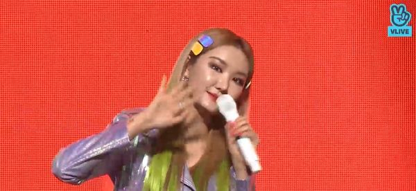 Showcase cuối cùng của EXID dưới trướng Banana Culture: Các thành viên bật khóc khi thể hiện ca khúc tạm biệt người hâm mộ - Hình 6