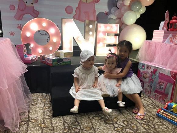 Vợ chồng Lan Phương tổ chức sinh nhật cho con gái tại một khách sạn sang trọng - Hình 13