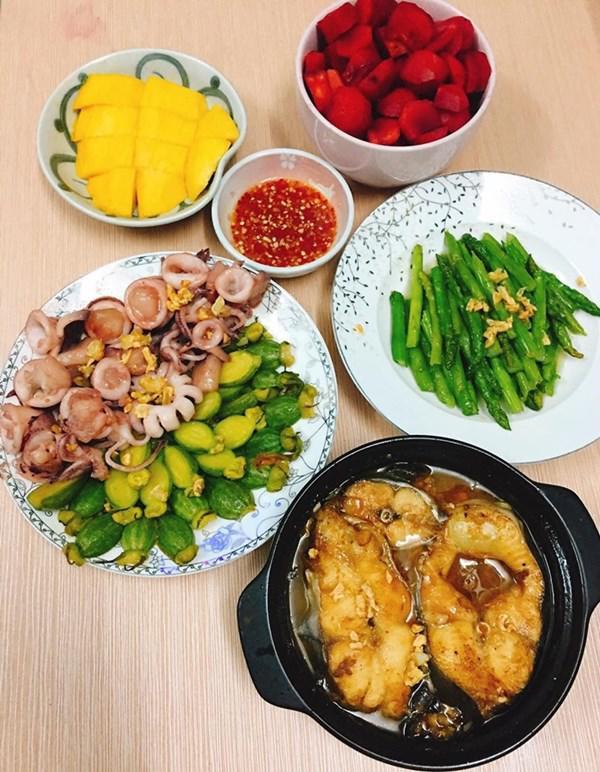 Vợ đảm khoe những mâm cơm ngon đến nỗi chồng khó tính bữa nào cũng ăn sạch bách - Hình 2