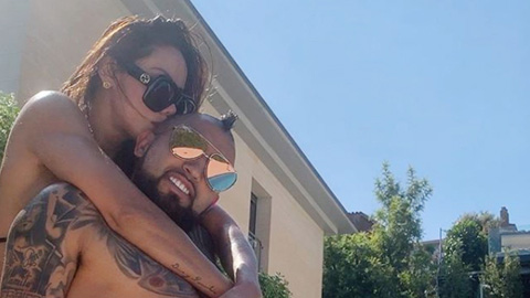 Arturo Vidal hẹn hò với người mẫu thể hình - Hình 1