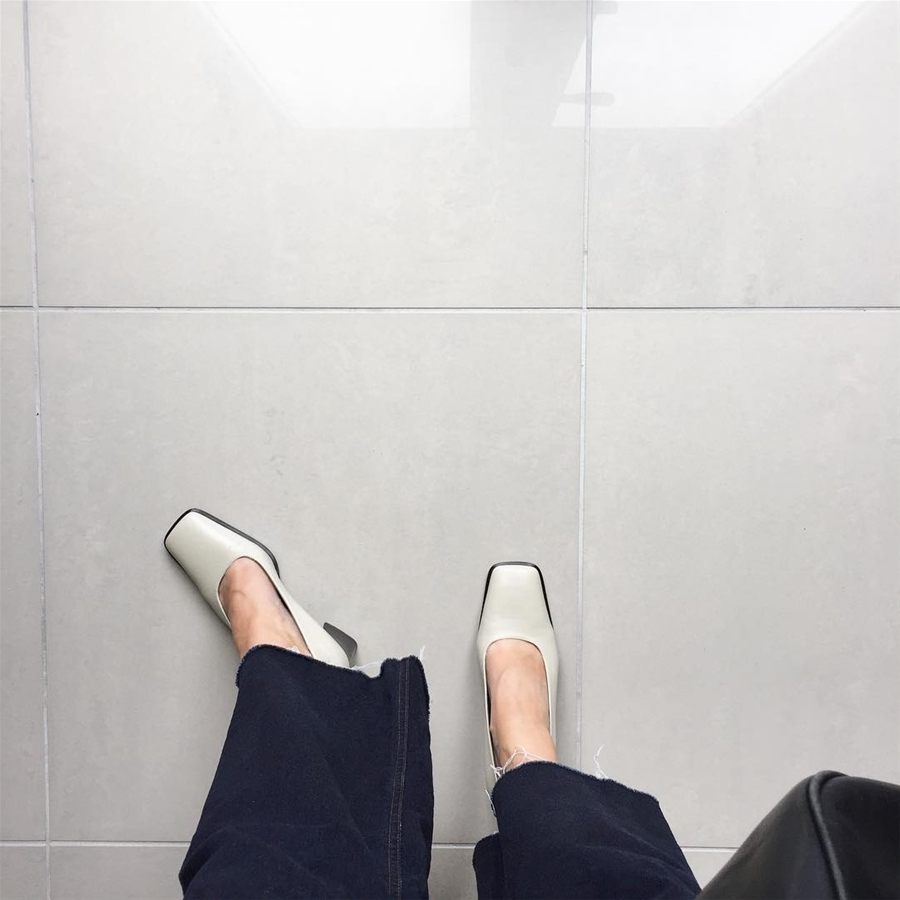 Bí quyết mix&match giữa giày dép và trang phục đúng chuẩn để giúp tôn dáng triệt để nhất - Hình 5