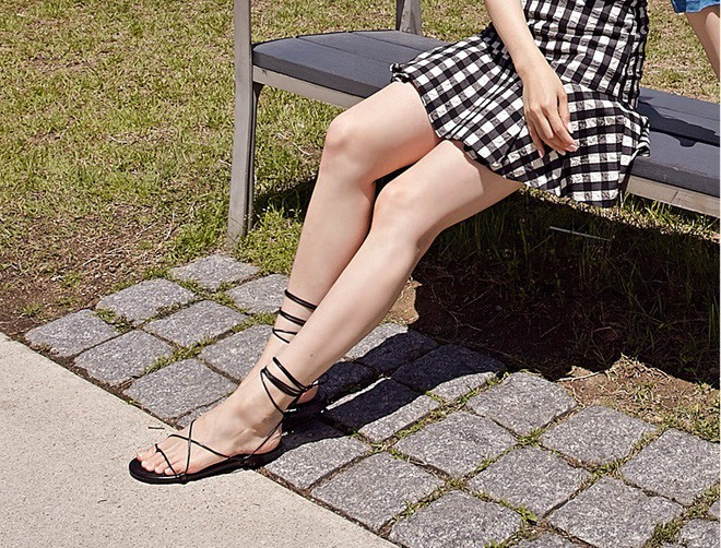 Bí quyết mix&match giữa giày dép và trang phục đúng chuẩn để giúp tôn dáng triệt để nhất - Hình 20