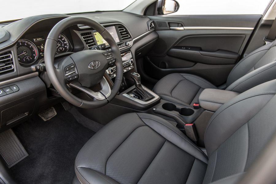 Hyundai Elantra 2020 sẽ bỏ số sàn để dùng hộp số biến thiên thông minh - Hình 2
