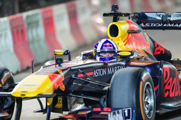 Mãn nhãn màn khuấy động đua xe F1 tại Hà Nội - Hình 6