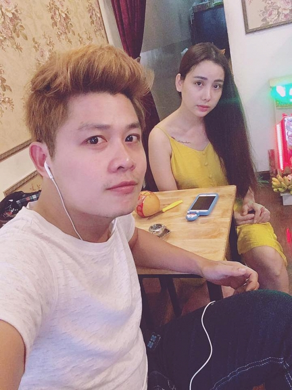 Nhạc sĩ Nguyễn Văn Chung mua nhẫn kim cương tặng vợ nhưng lại nhận cái kết không ngờ! - Hình 1