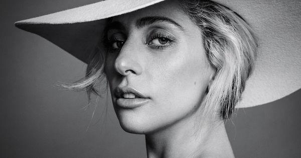 Những MV của Lady Gaga: Từ cú trượt chân đầy tuyệt vọng cho đến màn tái sinh mãnh liệt của bà mẹ quái vật - Hình 1