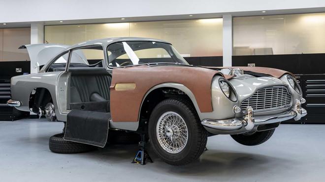 Siêu xe Aston Martin giá 3,5 triệu USD của James Bond bắt đầu sản xuất - Hình 4
