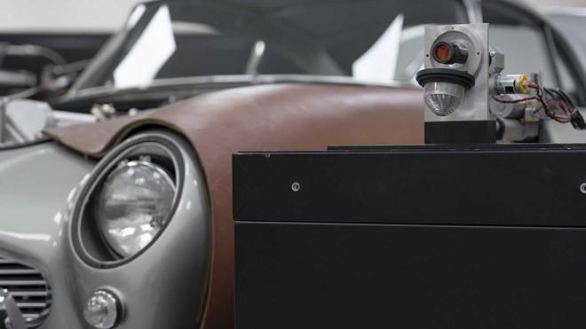 Siêu xe Aston Martin giá 3,5 triệu USD của James Bond bắt đầu sản xuất - Hình 3