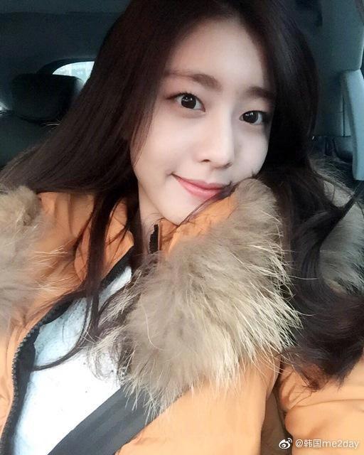 Bạn gái của tài tử Soi Ji Sub: Body vạn người mê, mặt mộc tự nhiên cũng thua kém gì các mỹ nhân Hàn - Hình 5