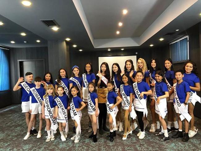 Hoa hậu hoàn vũ nhí 2019 được đón bằng xe sang dát vàng khi trở về Việt Nam - Hình 6