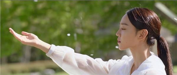 Lần đầu gặp gỡ giữa L và Hye Sun trong Nhiệm vụ cuối cùng của thiên thần không ngờ lại lãng mạn đến thế này - Hình 2