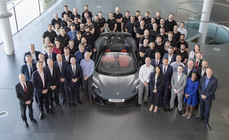 McLaren 600LT Spider ra mắt kỷ niệm chiếc xe thứ 20.000 xuất xưởng - Hình 2