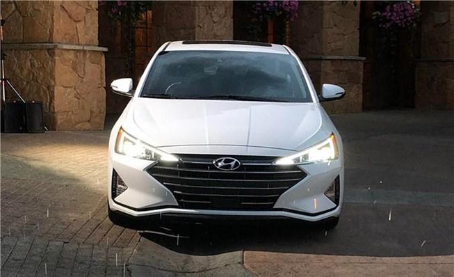 Mê mẩn với Hyundai Elantra 2019 vừa ra mắt tại Việt Nam - Hình 1