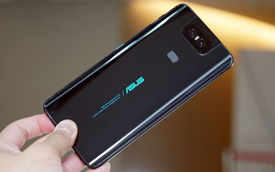 Trên tay Asus Zenfone 6: Camera có thể lật, pin khổng lồ, chip Snapdragon 855, giá mềm - Hình 3