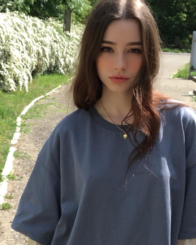Vẻ đẹp vừa trong sáng vừa gợi cảm của 9X Nga sắp ra mắt tại Hàn Quốc - Hình 10