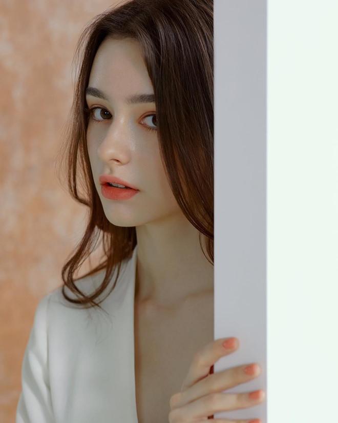 Vẻ đẹp vừa trong sáng vừa gợi cảm của 9X Nga sắp ra mắt tại Hàn Quốc - Hình 9