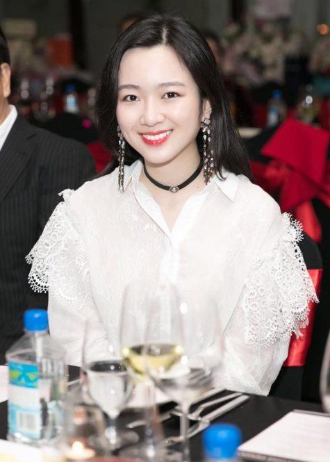 6 cô con gái xinh đẹp của các Hoa hậu, Á hậu một thời - Hình 18