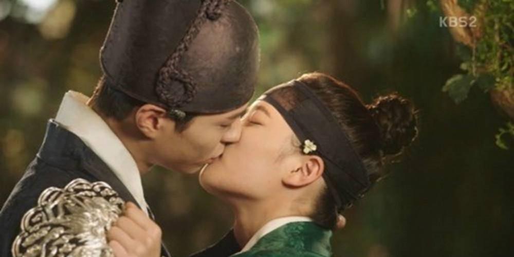 9 phim châu Á có cảnh nóng chưa đủ tuổi gây tranh cãi: Lưu Diệc Phi mới 16 tuổi, sao nhí Kim So Hyun chỉ vừa 13 - Hình 22