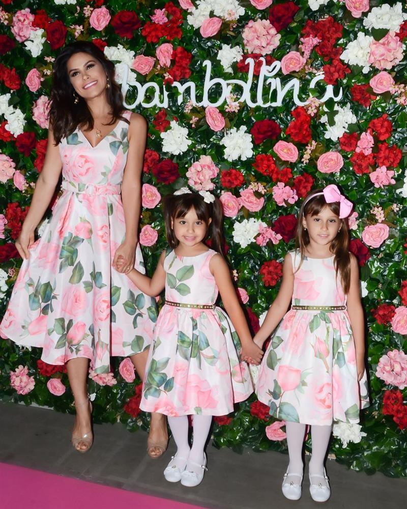 Bản tin Hoa hậu Hoàn vũ 18/5: Võ Hoàng Yến chặt đẹp từ Pia tới Hoàng Thùy với thời trang mặc cũng như không - Hình 8