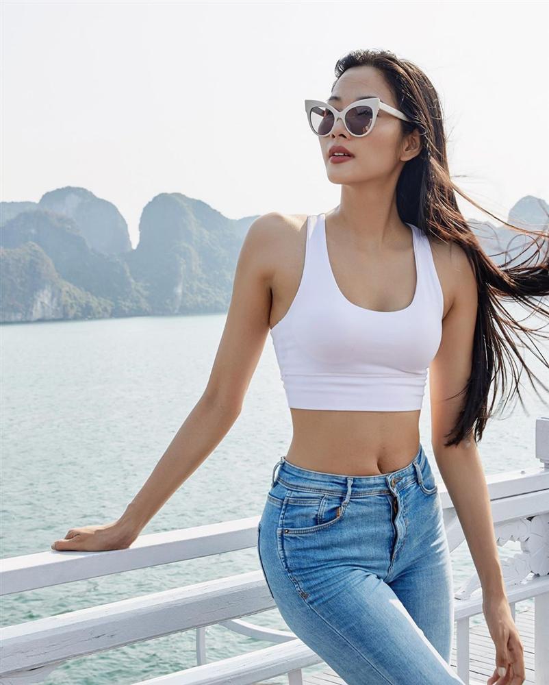 Bản tin Hoa hậu Hoàn vũ 18/5: Võ Hoàng Yến chặt đẹp từ Pia tới Hoàng Thùy với thời trang mặc cũng như không - Hình 2