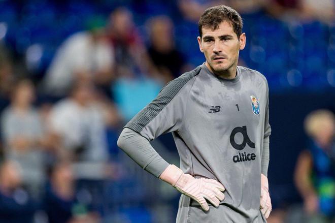 Chủ tịch Porto nhắm thủ thành Real về thay thế Casillas - Hình 1